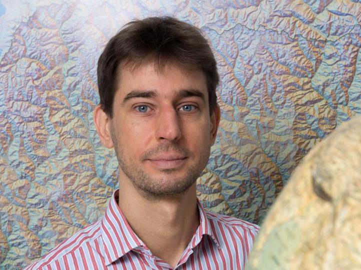 Vulgarisation scientifique par György Hetényi sur la RTS La Première
