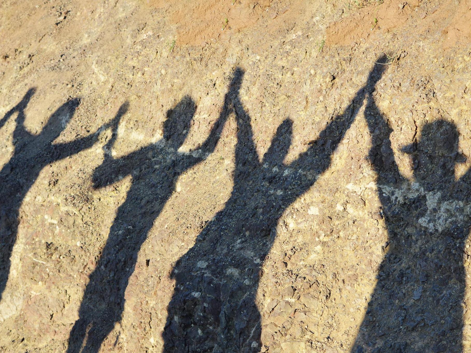 Guerre & Paix: le partage du pouvoir, un moyen d'endiguer la violence entre factions rivales?