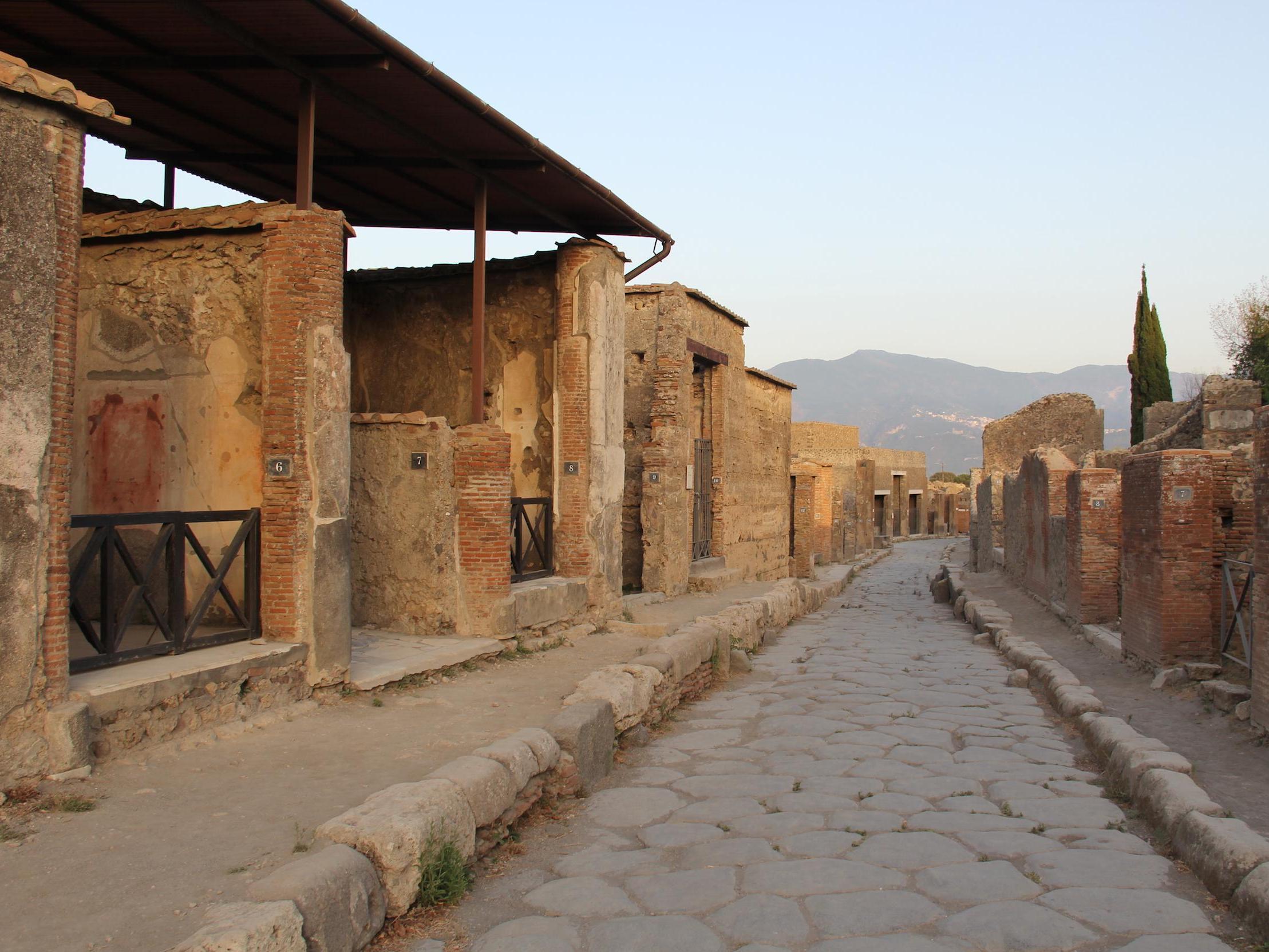 Des archéologues de l'UNIL font parler les murs de Pompéi