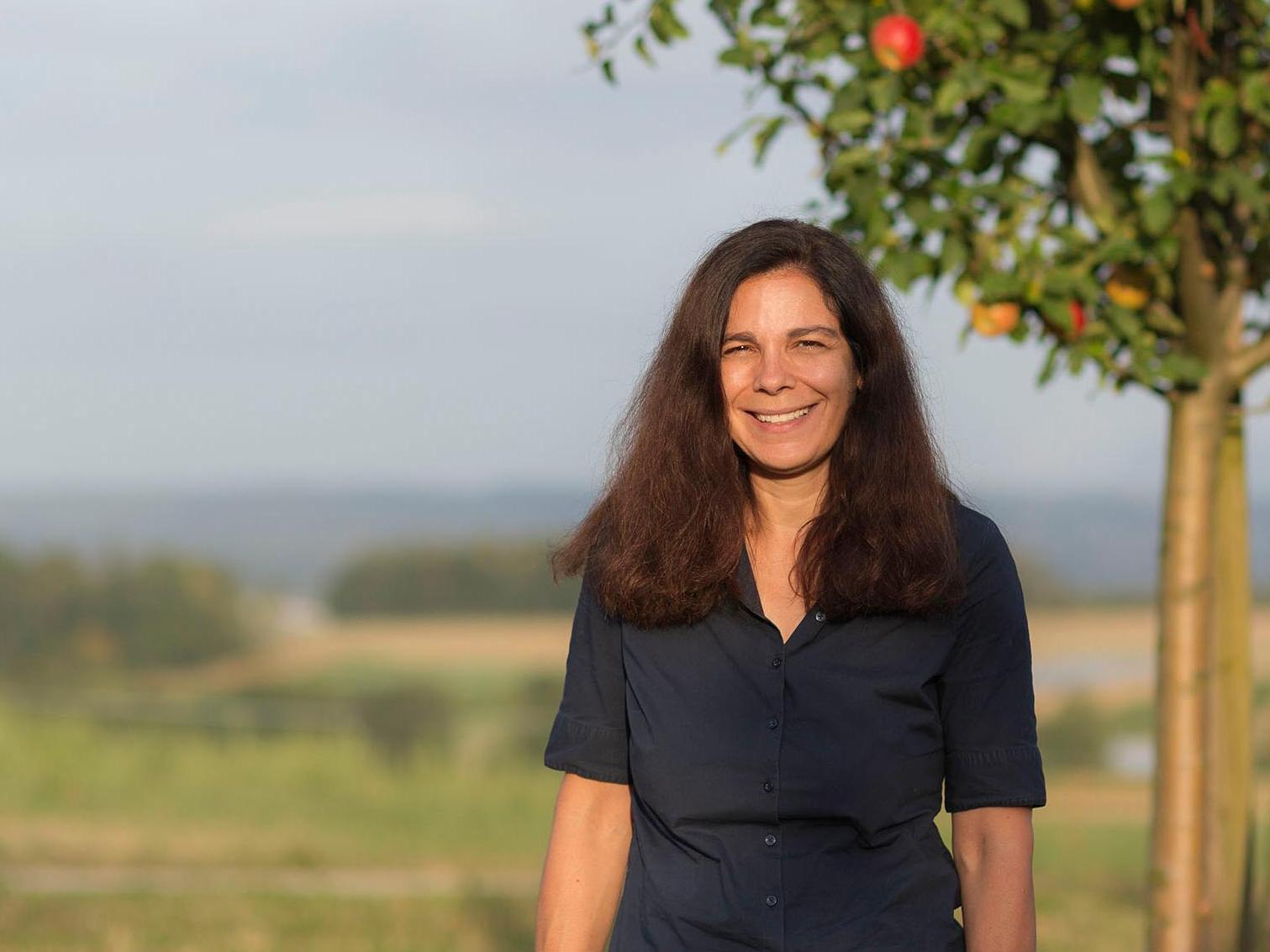 Giuseppina Lenzo, Maître d'enseignement et de recherche à l'Institut d'archéologie et des sciences de l'Antiquité