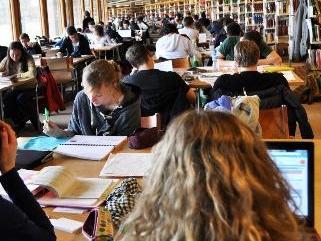 Inscriptions et retraits aux enseignements et aux examens