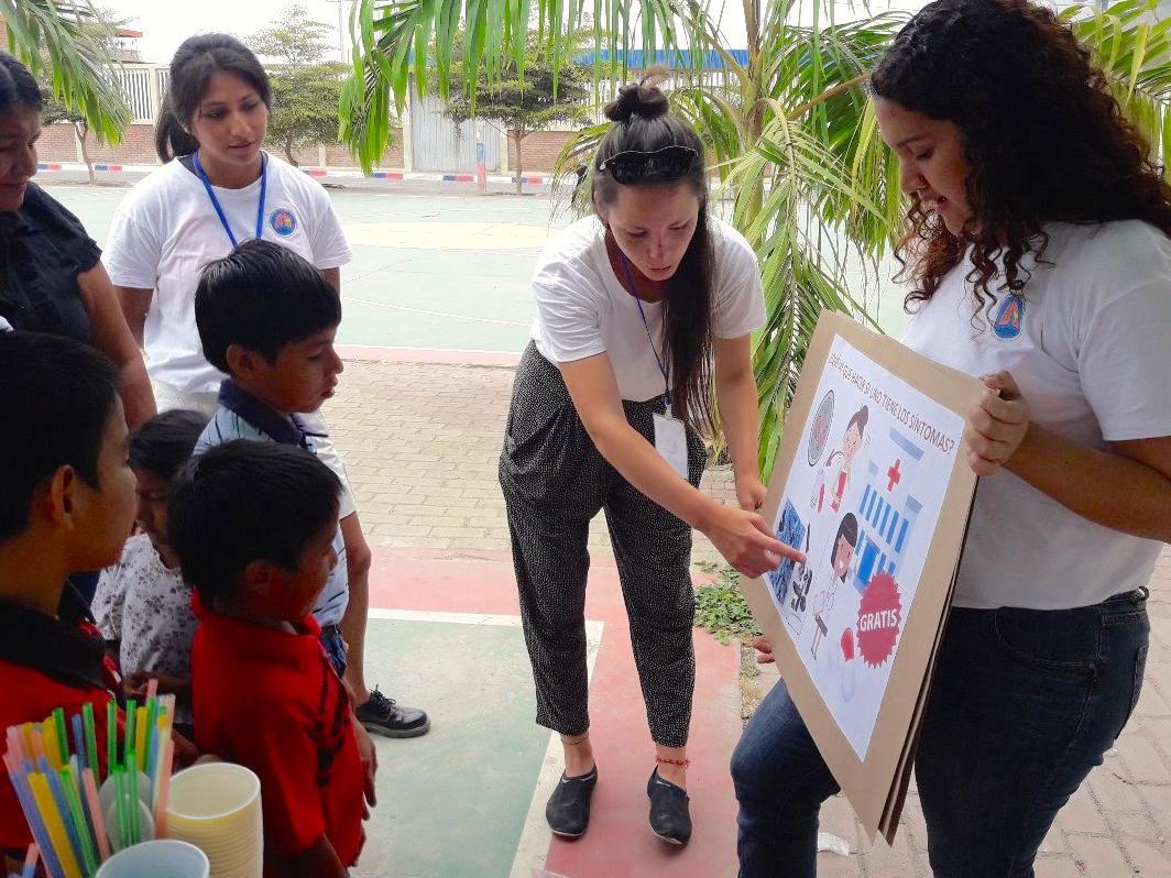 Deux étudiantes UNIL collectent des fonds pour des projets sociaux