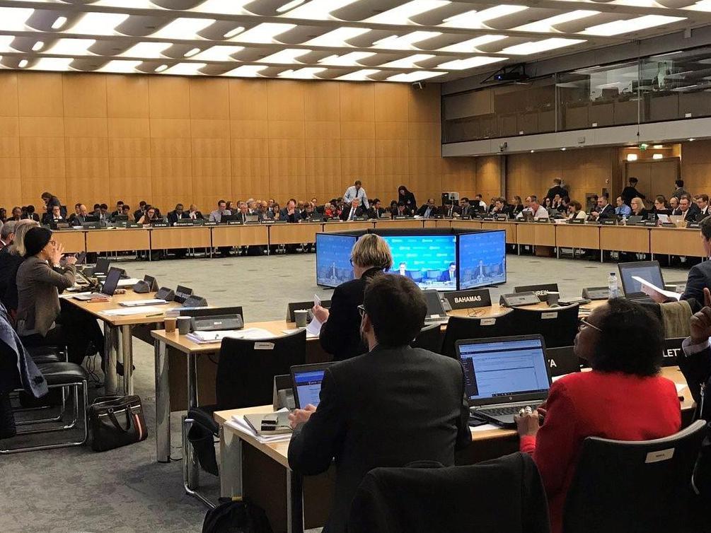 Le Prof. Robert Danon s'exprime lors de la réunion du Cadre inclusif organisée par l'OCDE
