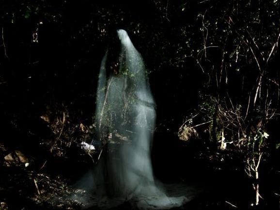 Labo 6x15' : Média Medium - 6 performances autour du spiritisme