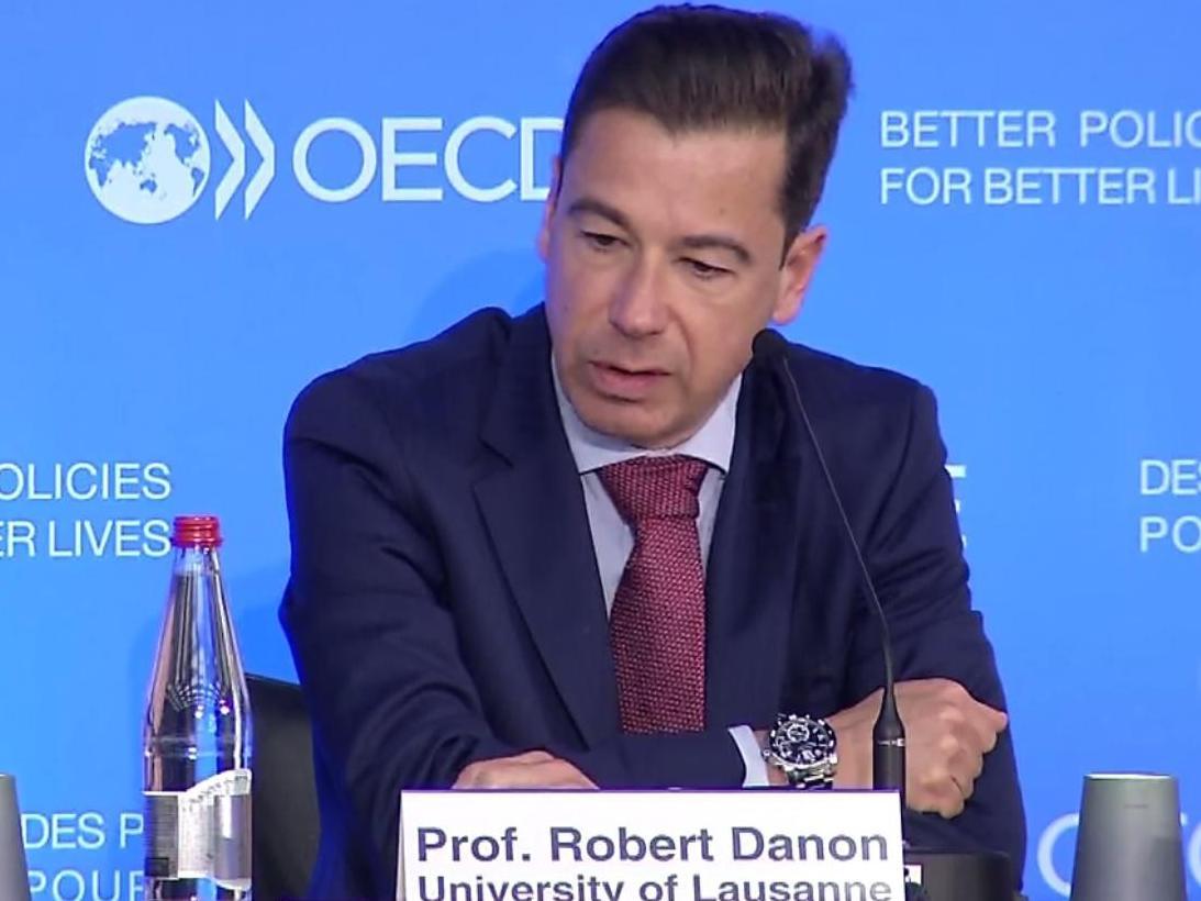 Le Prof. Robert Danon s'exprime lors de la consultation consacrée aux défis fiscaux de la digitalisation, organisée par l'OCDE