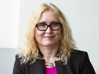 Female Career Award: la Prof. Renée B. Adams récompensée par HEC Lausanne pour son prodigieux parcours académique