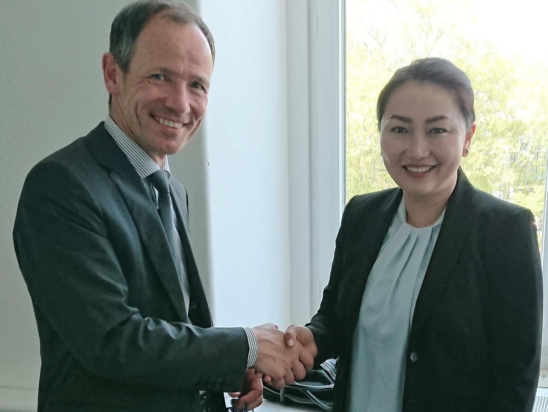 Nils Soguel rencontre la Vice-Ministre des finances de Mongolie