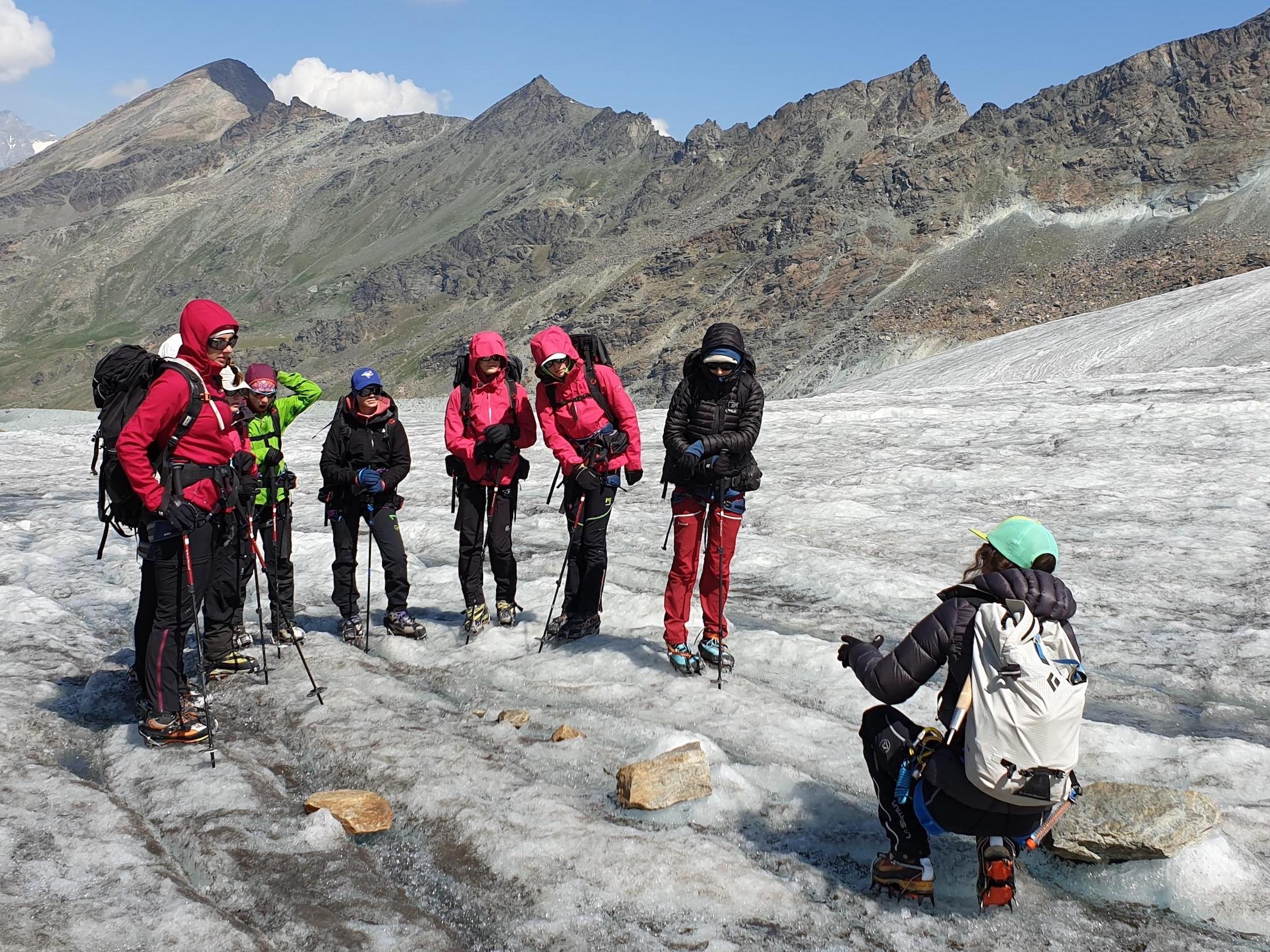 Le CIRM accueille les participantes à l'expédition Girls on Ice – Suisse