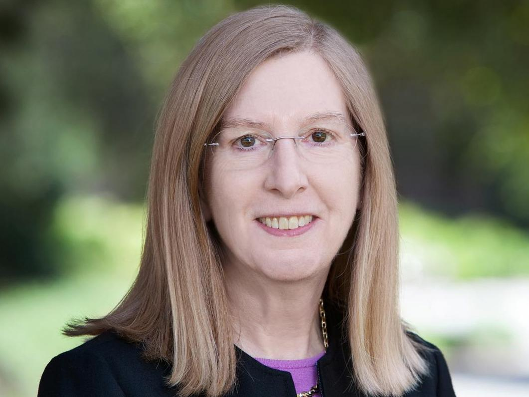 Female Career Award 2019: la Prof. Mary E. Barth récompensée par HEC Lausanne pour son parcours académique exceptionnel